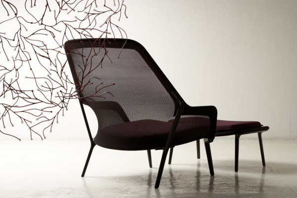 MODERN AND COMFORTABLE CHAIR