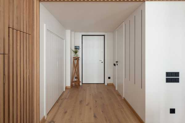 Interesting rental apartment with plenty of space