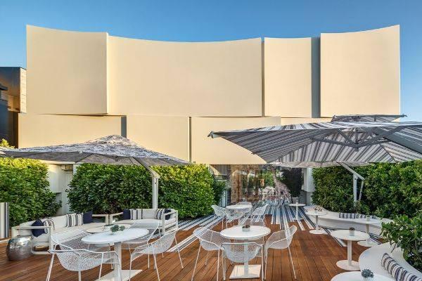 How Poggesi arranged the garden of Dior cafe